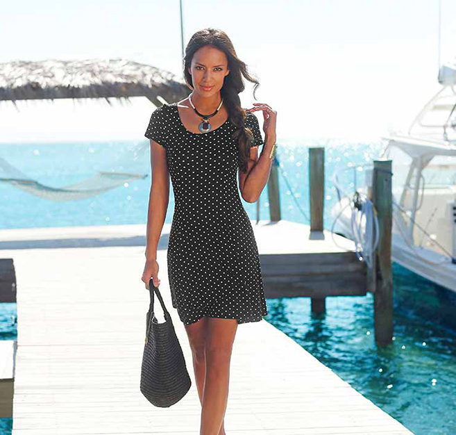Find black and white swimsuits, dresses and new style inspiration at LASCANA.